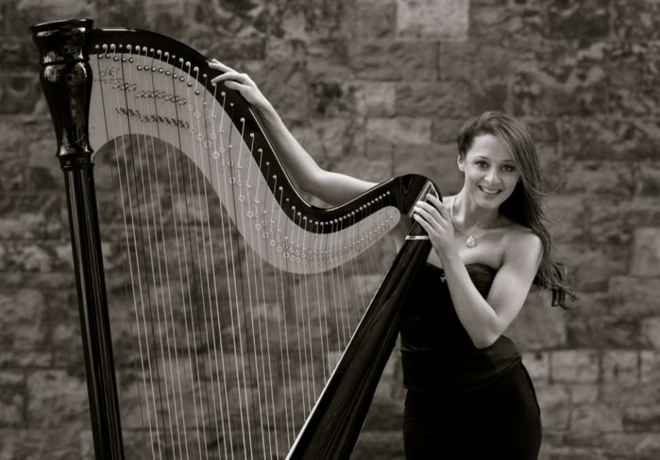 Seana Solo Harpist London Main