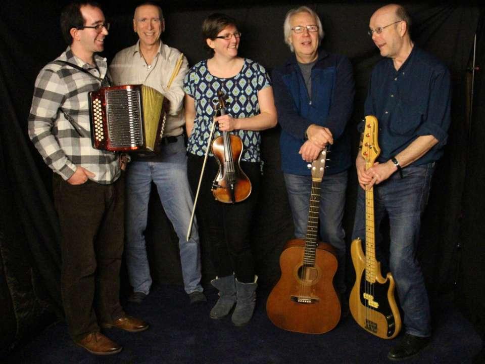 The Coisir Ceilidh Band Main