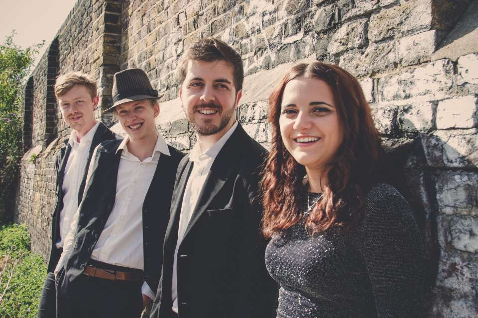 The Gramophones Vintage Band Main