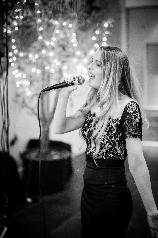 Vicky Singer Vocalist