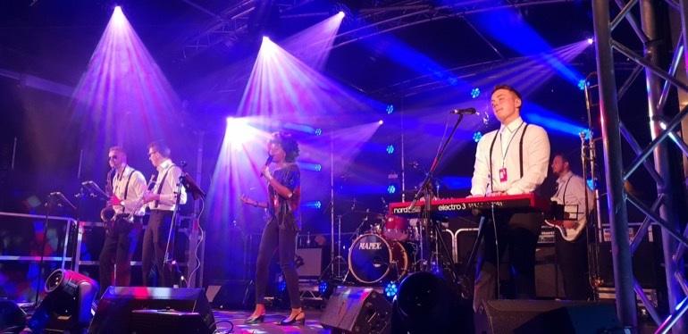 Groove Capital Band2