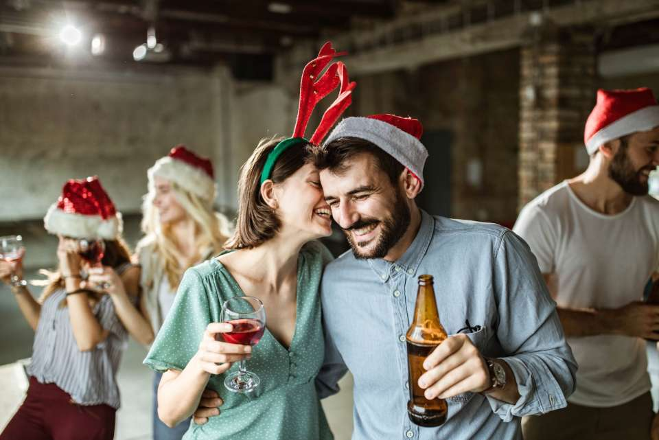 How to Plan an Office Christmas Party for Your Company - 5 Tips